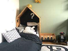 DIY : pas à pas pour construire et aménager une cabane atelier d'artiste pour enfant ! Un joli bureau d'activités en bois et en forme de maisonnette...