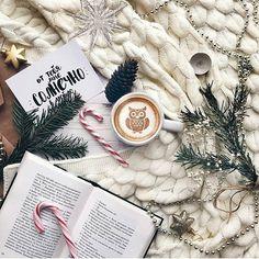 Идея фото для инстаграм - тепло, уют, кофе, зима #flatlay #зима #уют #кофе Christmas Gifts For Girlfriend, Christmas Gifts For Her, Favorite Holiday, Holiday Fun, Cocoa Tea, Christmas Aesthetic, Christmas Mood, Xmas, Winter Magic