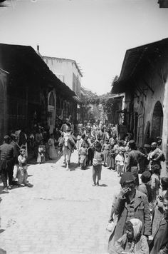 Old Photos of Syria from The Early Century ~ vintage everyday - sablon Old Pictures, Old Photos, Syria Before And After, Naher Osten, Aleppo, The Beautiful Country, This Is Us Quotes, Old City, North Africa