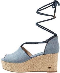 MICHAEL Michael Kors HASTINGS Platform sandals- Sandales compensées washed denim #promotion