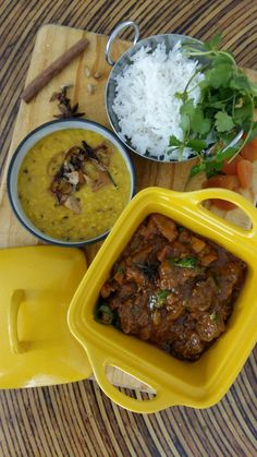 How to Make Pork and Apricot Curry - Eat Drink Cape Town Fresh Coriander, Fresh Garlic, Fresh Ginger, Pork Curry, Lamb Curry, Pork Goulash, Dried Chillies, Vindaloo, Kitchens