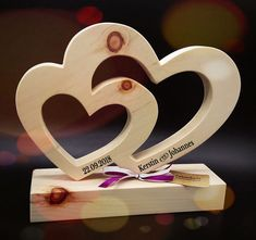 Original wedding gifts ideas with names – gifts made of wood - DIY CHRİSTMAS Wooden Projects, Wooden Crafts, Diy And Crafts, Crafts For Kids, Original Wedding Gifts, Scroll Saw Patterns, Wood Gifts, Wood Creations, Wooden Art