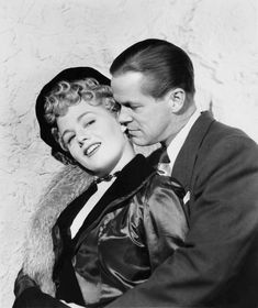 Shelley Winters and Dan Duryea in Johnny Stool Pigeon directed by William Castle, 1949 Old Hollywood Movies, Hollywood Actresses, Classic Hollywood, Zachary Scott, Actor Secundario, Shelley Winters, American Actors, Famous People, Dan