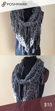 ❤️ INFINITY SCARF ❤️ Gray crochet and fringe infinity scarf Accessories Scarves & Wraps