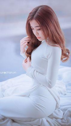 Pretty Asian, Beautiful Asian Women, Asian Woman, Asian Girl, Vietnam Girl, Vietnamese Dress, Girl Inspiration, Ao Dai, Glamour
