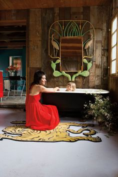 Best Bathroom Decorating Inspiration 2017 Design Ideas When it comes to decor, these bathrooms got it right. Here are our top picks for best bathrooms. For more interior design ideas and inspiration, head to Domino. 2017 Design, Deco Design, Funky Home Decor, Diy Home Decor, Room Decor, Famous Interior Designers, Yellow Bathrooms, Celebrity Houses, California Homes