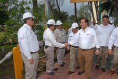 El mandatario estatal asistió también a la reanudación de operaciones del Muelle Marginal 6 en la misma terminal marítima, y reconoció igualmente el trabajo realizado por la Administración Portuaria Integral de Coatzacoalcos.