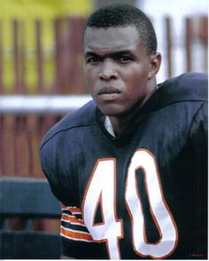 Gale Sayers - Chicago Bears: The Kansas Comet. But Football, Bears Football, Football Players, Kansas Football, Baseball, Chicago Bears, Chicago Illinois, Nfl, Gale Sayers