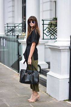 khaki cropped trousers, black utility top, Jimmy Choo Riley bag, Ray Ban sunglasses, nude strappy sandals #streetstyle #spring #asseenonme