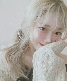 Find images and videos about aetaku on We Heart It - the app to get lost in what you love. Cute Korean, Korean Girl, Korean Beauty, Asian Beauty, Blonde Asian, Uzzlang Girl, Asian Makeup, My Hairstyle, Korean Ulzzang