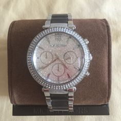 NWT Michael Kors Chronograph Parker & Gray Acetate It is new authentic with tag in the box, comes with 2 year waranty.  Serial number: MK6284  CASE SIZE : 39mm Michael Kors Accessories Watches