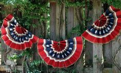 Parties for Pennies has a few different paper bag 4th July crafts on her blog including this fab bunting. Head over to make this bunting, cutlery holders and patriotic cups. 4th Of July Party, Fourth Of July, 4th Of July Wreath, Patriotic Bunting, Patriotic Crafts, Independance Day, Project Red, Flag Painting, 4th Of July Decorations