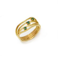 Oyster emeralds ring