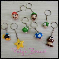 Chaveiros Super Mário: Mario, Luigi, Cogumelos, estrela, Goomba, Bob-Omb ou Yoshi. Também faço outros personagens, consulte! <br> <br>Produto sob encomenda. Valor unitário. <br>Material: biscuit; base para chaveiro metálica. Altura aproximada: 03cm. <br> <br>Todas as peças da loja Paty's Biscuit são feitas à mão, de forma 100% artesanal e sem o uso de moldes.
