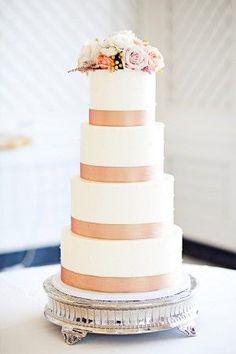 Beautiful layered wedding cake with peach stripes #wedding #weddingcake #cake #flowers #peach