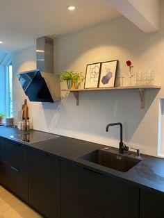 Corner Desk, Furniture, Ideas, Home Decor, Corner Table, Decoration Home, Room Decor, Home Furnishings, Home Interior Design