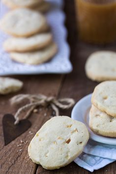 Apple Shortbread Cookies with Apple Cider Mascarpone Frosting…