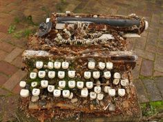 """misterlemonzest: """" linnman333: """" abandonedandurbex: """" Decayed and abandoned typewriter. I don't think it's salvageable [740 x 566] Source:..."""