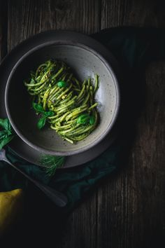 Bucatini Pistachio Pesto by Eva Kosmas Flores Try this delicious Bucatini Pistachio Pesto has creamy parmesan, nutty pistachio, fresh fennel fronds, basil, and parsley with a hint of lemon. Pot Pasta, Pasta Dishes, Yummy Pasta Recipes, Healthy Recipes, Dinner Recipes, Pistachio Pesto, Healty Dinner, Spaghetti Bolognese, Easy Family Meals