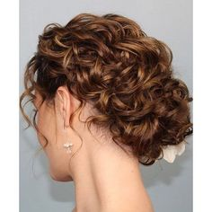 Wedding Hairstyles Updo 70 Wedding Hairstyles For Curly Hair Ideas 16 – Fiveno - Visit the post for more. Short Hair Styles, Natural Hair Styles, Natural Curls, Long Curly Hair, Updo Curly, Naturally Curly Updo, Curly Up Do, Messy Updo, Fancy Hairstyles