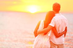 Honeymoon couple romantic in love at beach sunset. Newlywed happy young couple embracing enjoying ocean sunset during travel holidays vacation getaway. Strong Relationship, Relationship Problems, Relationship Advice, Distance Relationships, Marriage Advice, Heart Touching Love Quotes, Love Quotes For Her, Dating Quotes, Dating Advice