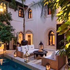 Moroccan influences courtyard