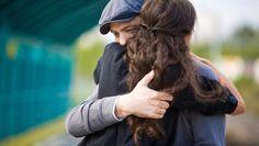 Je zal het zelf ongetwijfeld al wel gemerkt hebben: we zijn een knuffelend ras. Volgens psycholoog en lichaamstherapeut Maarten Ghysels zijn er vijf ...