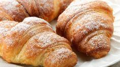 طريقة عمل كرواسان بالزبدة وسكر البودرة - Delicious croissant recipe