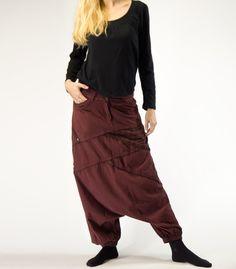 Pantalón Afgano marrón de algodón con bajo elástico.