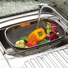 Wash your fruits and veggies... and prevent sickness!   Source: http://www.eatright.org/Public/content.aspx?id=6442474315#.URk29aX8L3Q    Recuerda! Lava las frutas y verduras antes de pelarlas y evita enfermarte y a tu familia!