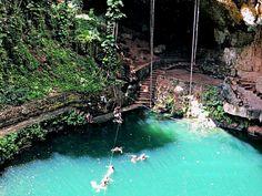 Cenote Zaci cerca de Valladolid Mexico