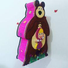 Piñata de masha y el oso #piñatas #piñata #fiestas #fiestasinfantiles #margarita #islademargarita #i - olmar_perez Bear Birthday, 3rd Birthday Parties, 2nd Birthday, Marsha And The Bear, Bear Party, Ideas Para Fiestas, Diy Invitations, Holidays And Events, Party Planning