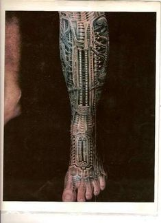 6HRgiger_brettbarr   Biomechanical awesomeness!!