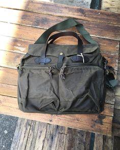 The Filson 24 hour tin cloth briefcase  #filsonlife #filsonbag #bagsforlife by brycesalhab  https://www.beaubags.de/brands-we-like/filson.html