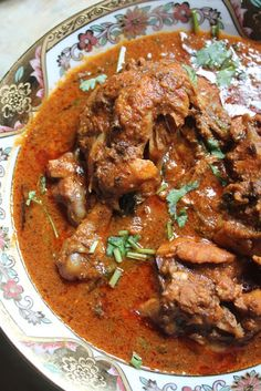 YUMMY TUMMY: Kolhapuri Chicken Curry Recipe
