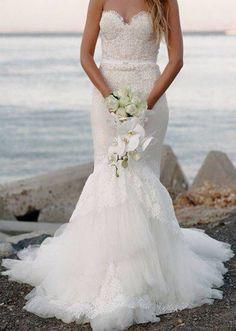 hermoso vestido y ramo de novia