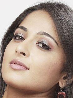 Anushka Latest Photos, Anushka Photos, South Actress, South Indian Actress, Beautiful Bollywood Actress, Beautiful Indian Actress, Hot Actresses, Indian Actresses, Eye Sketch