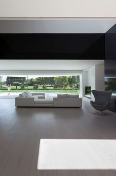 Balint House in Spain by Fran Silvestre Arquitectos