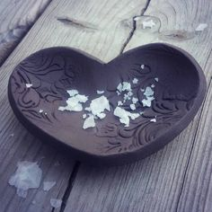 Heart with sea salt Spoon Rest, Sea Salt, Saga, Pottery, Heart, Tableware, Instagram Posts, Ceramica, Dinnerware