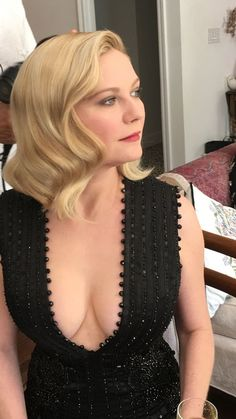Kirsten Dunst Cleavage Photos) via Kirsten Dunst attends the Annual Primetime Emmy Awards in Los Angeles, Nice tits! Kirsten Dunst is an American actress, singer and. Kirsten Dunst, Playboy, Beautiful Female Celebrities, Fashion Tips For Women, Fashion Ideas, Women's Fashion, Famous Women, Famous People, Female Images