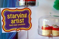 love the starving artist sign