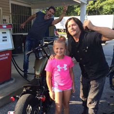 babys #NormanReedus And #jeffreydeanmorgan (shannonstroup)