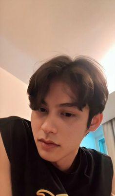 Bright Wallpaper, Cute Boy Photo, Boyfriend Photos, Bright Pictures, Chinese American, Gypsophila, Boy Photos, Blackpink Jisoo, Asian Actors
