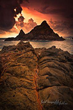 www.villabuddha.com  Bali  Dark Sunset, Pelawangan Selong Belanak Lombok,  Indonesia