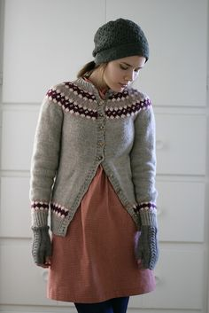 Ravelry: Project Gallery for Icelandic Star pattern by Sarah Hoadley How To Purl Knit, Knit Purl, Hats For Women, Clothes For Women, Dress With Cardigan, Star Patterns, Iceland, Ravelry, Knitwear