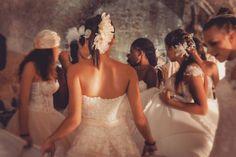 Ragazze e molto molto bianco! ;) Abiti @magnanisposa e miei accessori di modisteria.  #cappello #cappelli #hat #instalike #instafun #instalife #fashion #womenfashion #madeinitaly #livorno #madeinitaly #moda #modadonna #fascinator #artigianato #modisteria #modella #modelle #fashionphoto #accessori #stile #style #l4l #concorso #modella #modelle #bellezza #model #girl
