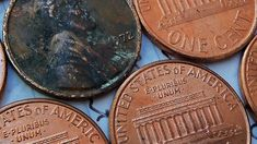 Pre-1982 Lincoln Memorial pennies are old coins that contain copper and can be found in pocket change. photo by dno1967b on Flickr Valuable Pennies, Valuable Coins, Rare Pennies, Old Coins Worth Money, Old Money, Penny Values, Peace Dollar, Coin Worth, Coin Values