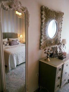 Qué sencillo y bonito ha quedado este dormitorio de nuestra cliente y amiga Maria ! Decorado por Voccara