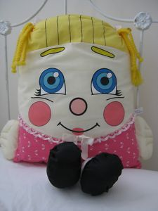 I had this pillow person when I was a kid... It's one of my favorite childhood toys :)