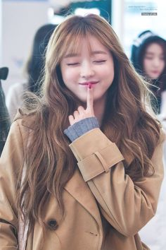 Yooa oh my girl Oh My Girl Yooa, Uzzlang Girl, Kpop Girl Groups, Kpop Girls, Girl Crushes, Korean Girl, Asian Girl, Fashion Models, Fashion Beauty